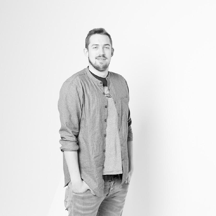Hochwertige Porträt eines jungen Mannes im Studio