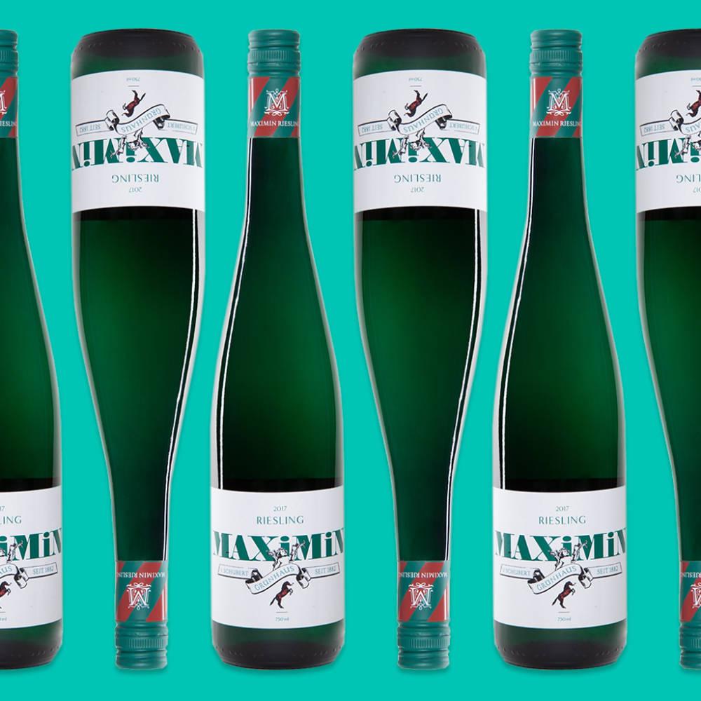 Weinflaschen für einen Kunden im Studio 205 als Produktfoto arrangiert