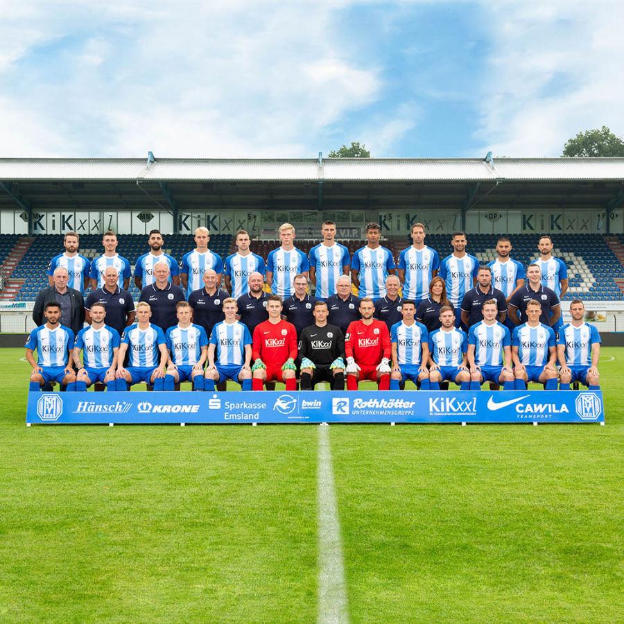 Offizielles Mannschaftsfoto des 3. Liga Fußball Vereins SV Meppen